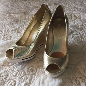 BCBG metallic wedges